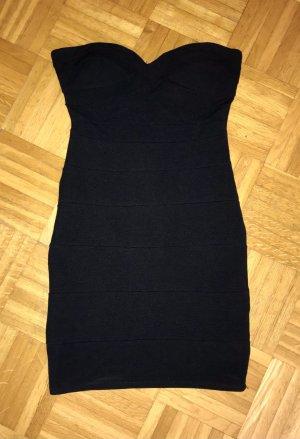 Kleines Schwarzes - Minikleid