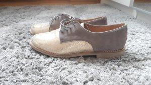 KMB Zapatos Budapest color oro-marrón grisáceo