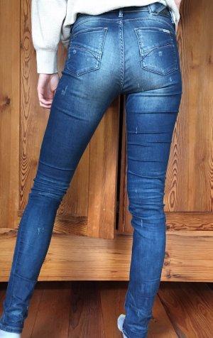 Knackige Jeans im Used-Look