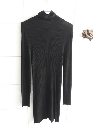 knielang turtleneck dress