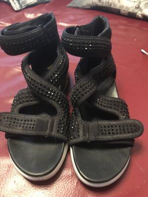 Knöchelhohe Sandale