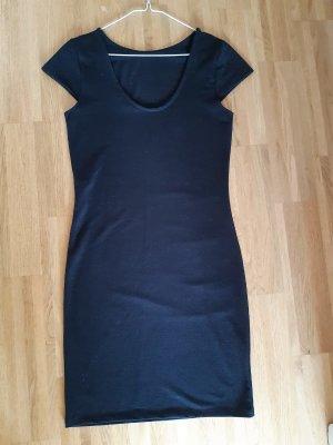 Körperbetontes schwarzes Kleid