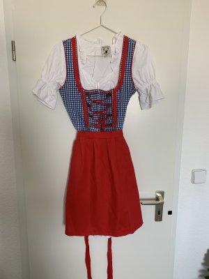 Komplettes Dirndl-Outfit