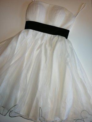 Konfirmation oder Jugendweihe Kleid