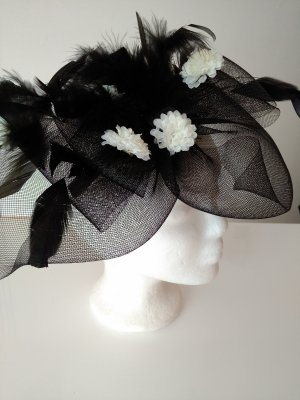 Veil white-black