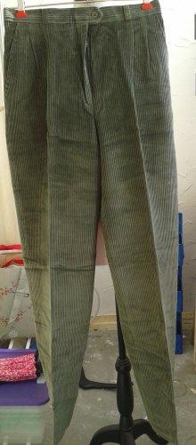 Spodnie karoty oliwkowy