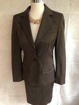 Art To Be Ladies' Suit dark brown