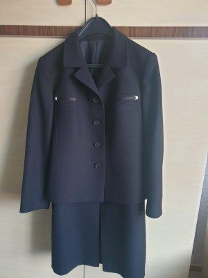 Ladies' Suit black wool