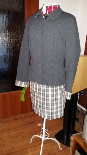 Kostüm Kastenjacke enger Rock kariert Gr 36