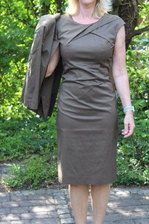 Luisa Cerano Tailleur grigio-verde-marrone-grigio