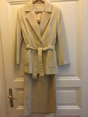 Collection Traje para mujer beige