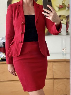 Moschino Cheap and Chic Tailleur rouge foncé