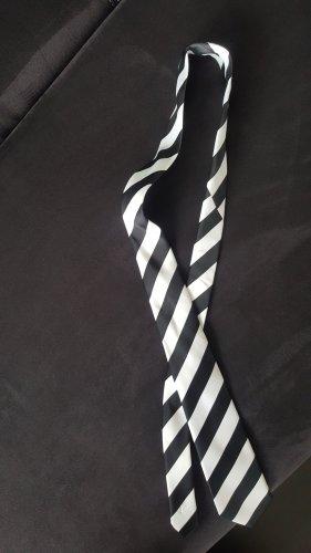 Cravate ascot blanc-noir