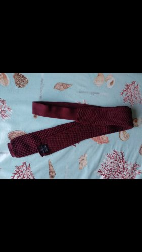 Cravate ascot rouge foncé-rouge carmin