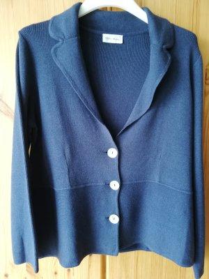 kürzerer jeansblauer (indigo) Cardigan von Peter Hahn
