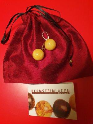 Kugelohrringe aus Bernstein