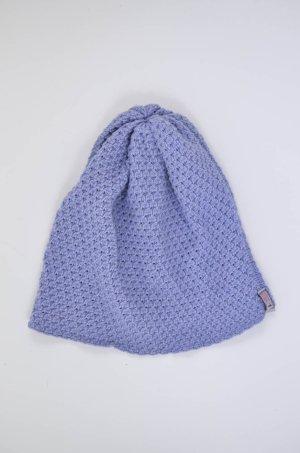 Chapeau en tricot violet