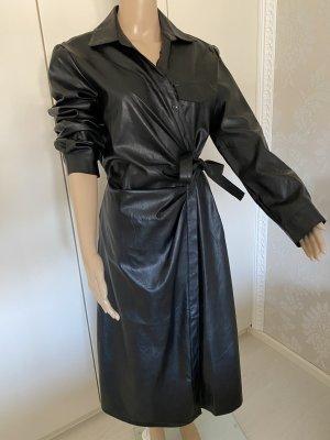 Vestido de cuero negro