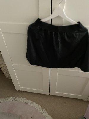 Spódnica z imitacji skóry czarny