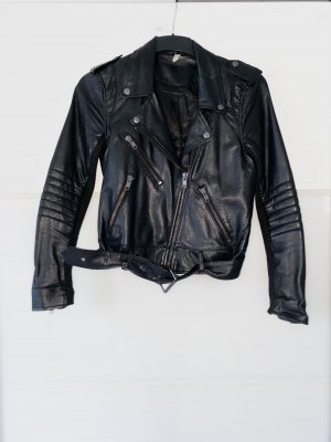 Kunstlederjacke in schwarz mit Gürtel gr. 36