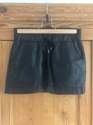 Sisters point Faux Leather Skirt black