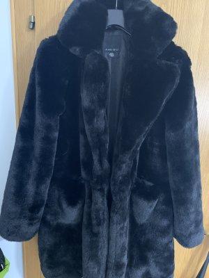 Amisu Płaszcz ze sztucznym futrem czarny