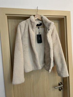 Vero Moda Kurtka ze sztucznym futrem w kolorze białej wełny