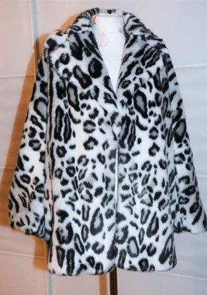 Fake Fur Jacket white-black
