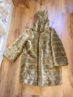Cappotto in eco pelliccia sabbia