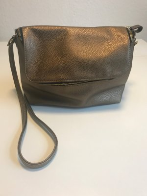 kupferfarbene Handtasche