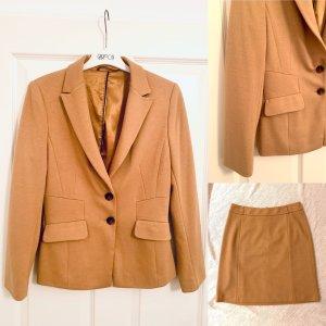 Kurz- Blazer Anzug -Sakko v More&More sandfarben -tailliert Gr. 36-38/S-M
