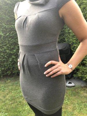 Kurzärmeliges Kleid