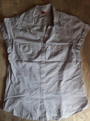 Kurzärmlige Bluse mit schmalen blauen Streifen