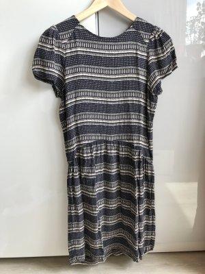 Kurzarm Kleid von Sessun