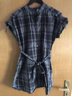 Kurzarm, langes Hemd