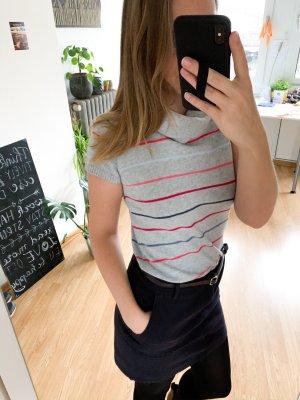 Kurzarm Pullover mit breitem Kragen