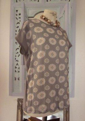 Kurzarmbluse mit Ornamentdruck Vorderseite, Rückenteil T-Shirt Material