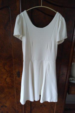 Sukienka z krótkim rękawem w kolorze białej wełny