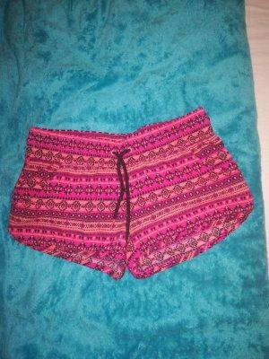 Kurze Beach shorts mit muster