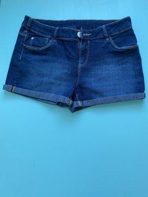 Kurze dunkelblaue Jeans (Hotpants)