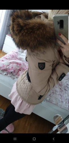 Veste en fourrure chameau