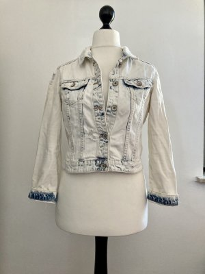 Kurze gebleichte Jeansjacke von Zara Trafaluc
