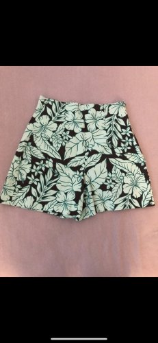 Kurze High waist Hose Short Zara