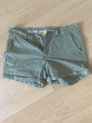 Alife & Kickin Spodenki khaki