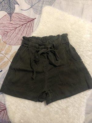 H&M Pantalón de color caqui verde oscuro