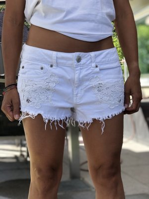 American Eagle Outfitters Hot Pants white