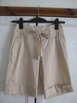 kurze Hose in Beige - casual Look