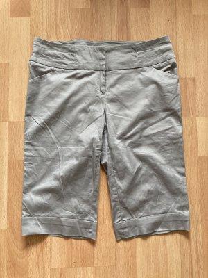 Kurze Hose in Silber-Grau von Orsay