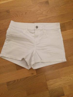 kurze Hose in weiß