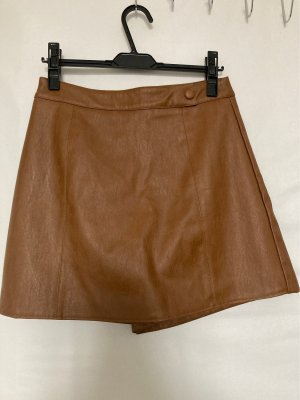 Pantalón corto de talle alto marrón